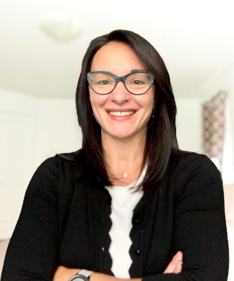 Headshot of Dr. Marinela Mandra MD, CCFP